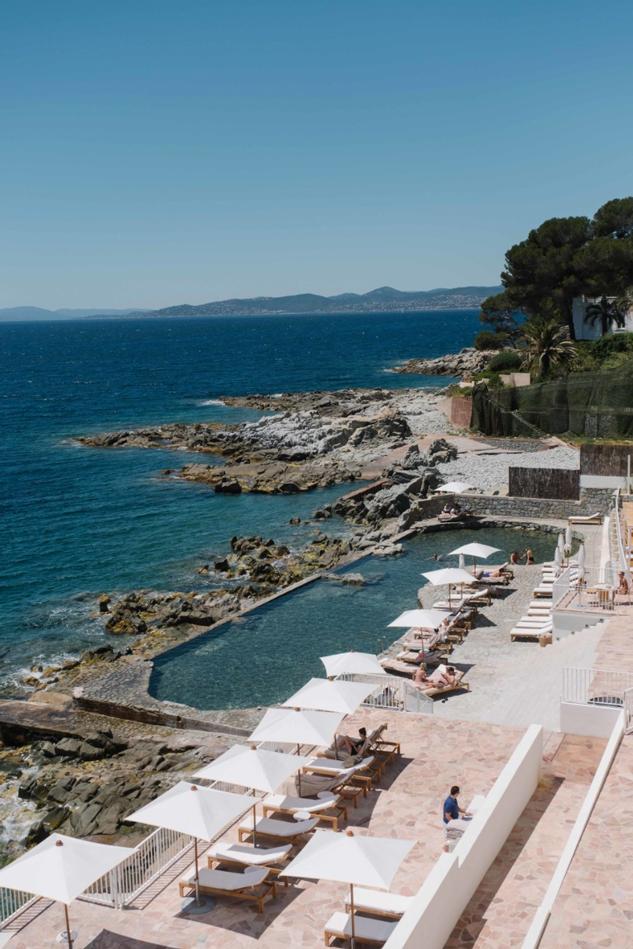 Koffer packen für die Côte d'Azur Les Roches Rouges