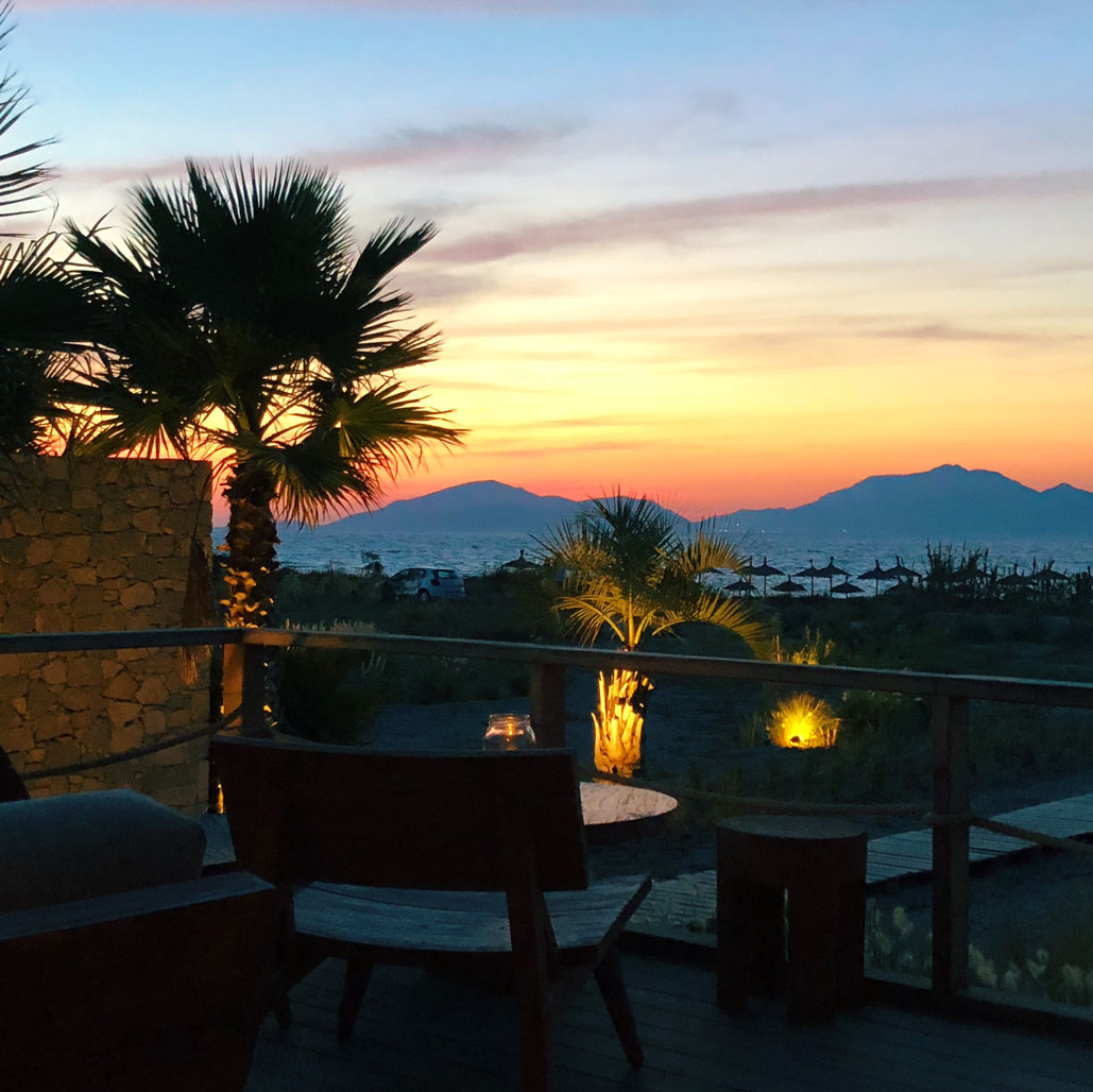 Travel Guide Casa Cook Sunset