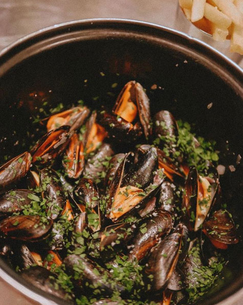 ...on weekends...Chez Fritz Moules et frites